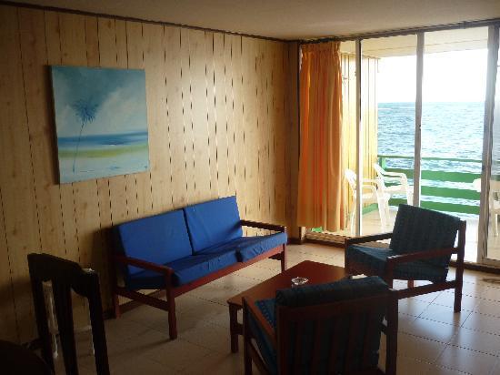 Apartahotel Tres Casitas: balcon sobre el mar