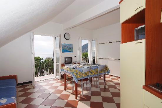 Giada holiday residential flats hotel moneglia prezzi for Hotel moneglia