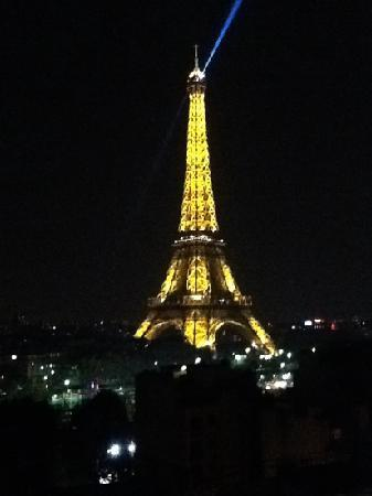 Shangri-La Hotel Paris: the view from room 412!