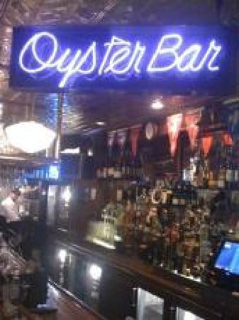 Whitney's of Charlevoix: the oyster bar