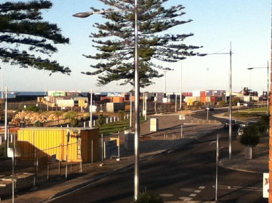 Beachfront Voyager Motor Inn : Container depot from balcony