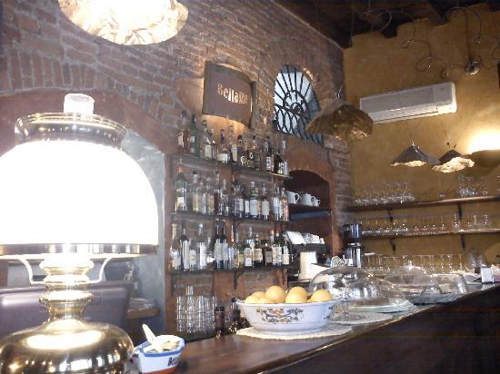 Bar bild fr n bellariva milano tripadvisor for Bar 35 food drinks milano