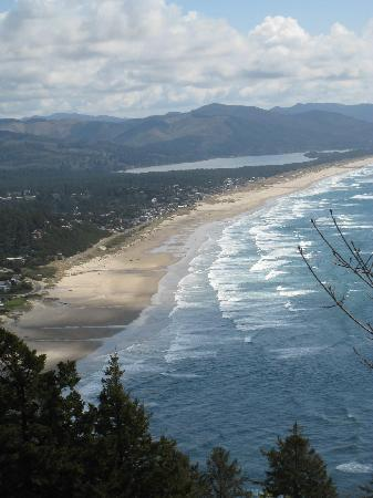 Surfsand Resort: Coast south of Cannon Beach