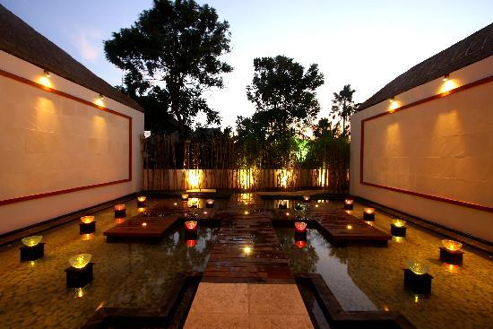Amor Bali Villa: entrance to main lobby