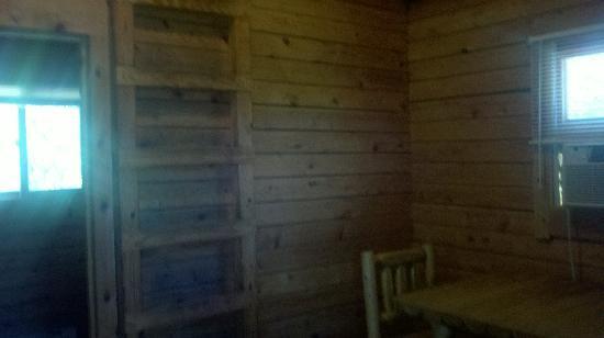 Trap Pond State Park : Mainroom Cabin