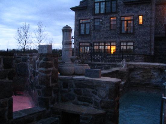 Ste. Anne's Spa : pools at night