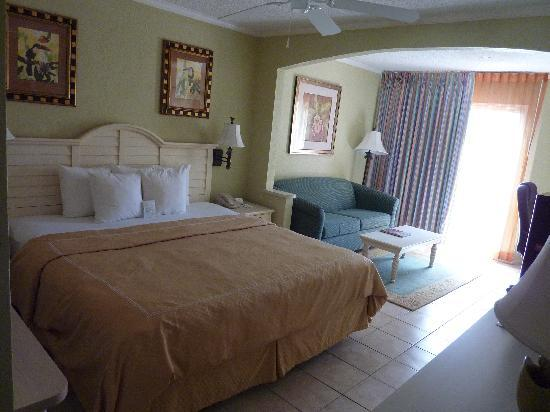 Comfort Suites Paradise Island: Our room