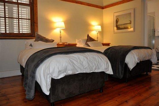 Coweys Corner: Room 3 Twin Bed