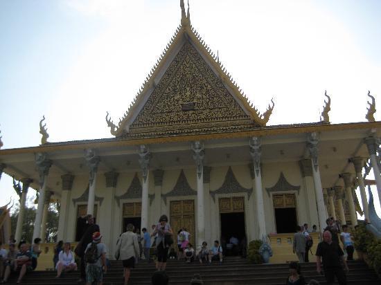 Himawari Hotel Apartments: the national palace at phnom pen