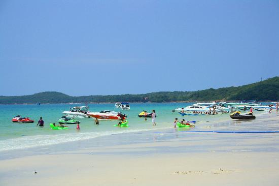 Ko Samet, Thailand: The clear blue waters await us!