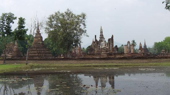 Sukhothai, Tailandia: Ancient Buddha