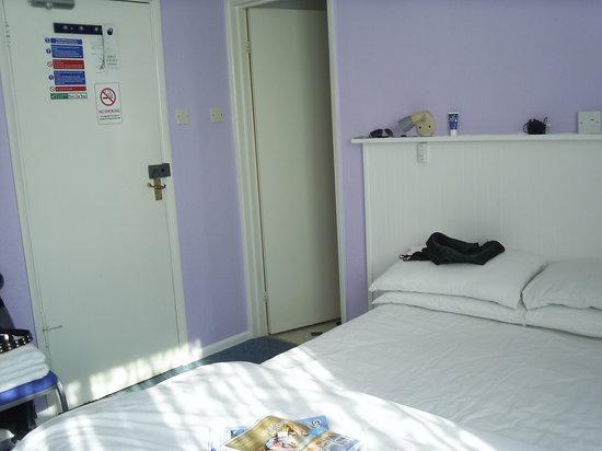 Marina Bay Hotel: Bedroom
