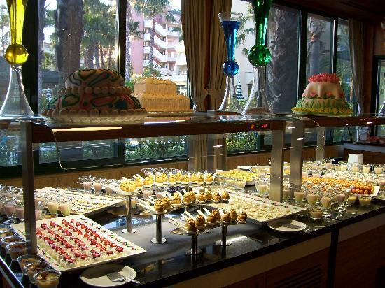 Meryan Hotel: Dessertbuffet