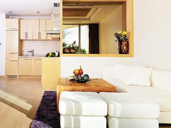 Beachfront Phuket: White Coral Suite's living room