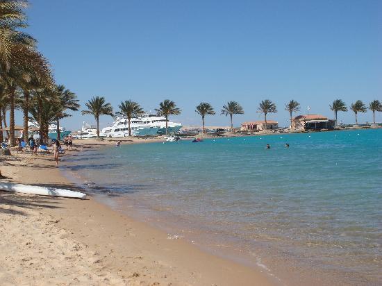 Mövenpick Resort Hurghada: Beach