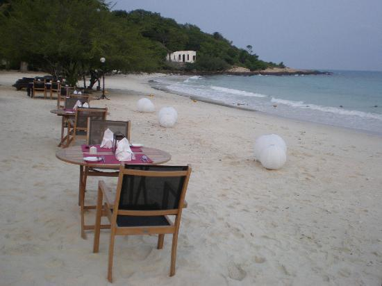 Paradee Resort & Spa Hotel: Dinner at the beach