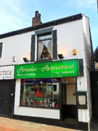 Piccolos Italian restaurant: Outside Piccolos