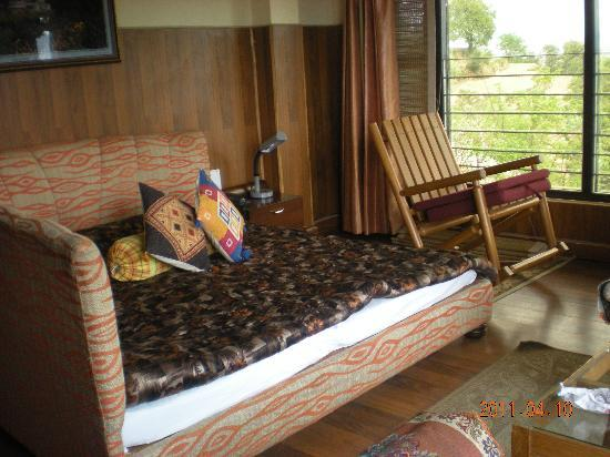 Mukteshwar Himalayan Resort: the room