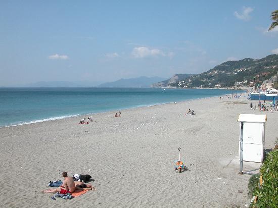 Matrimonio Spiaggia Varigotti : Hotel holiday varigotti liguria prezzi e recensioni