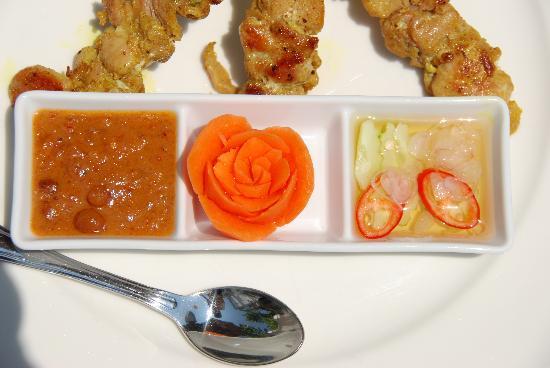 Ping Nakara Boutique Hotel & Spa: Satai Gai - typical lunch 150 baht