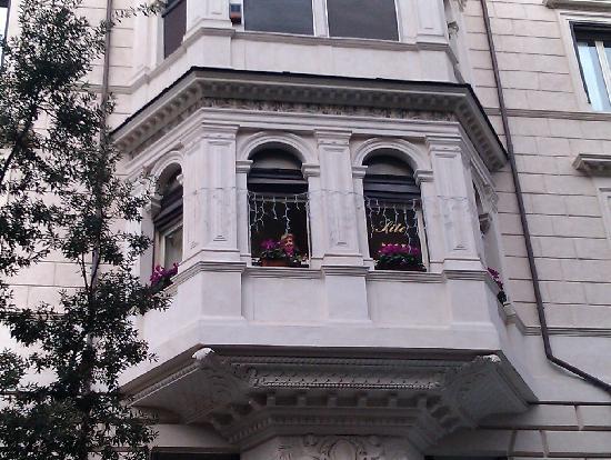 Beau Site - Antica Residenza: Sala colazioni - esterno