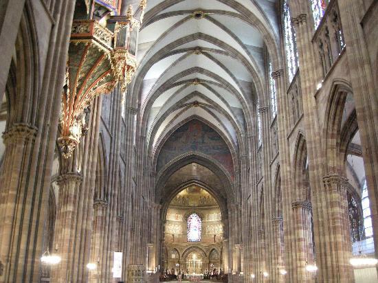 Strasbourg, France: Interno cattedrale Strasburgo