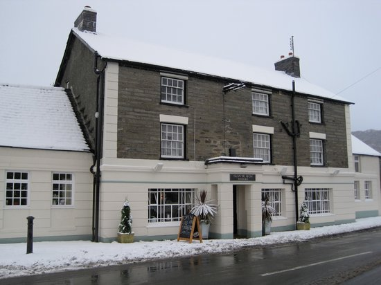 Riverside Hotel: Pennal in the Snow