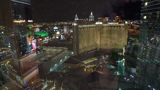 View Paris Vegas Hotel Rooms