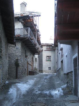 Albergo Martin : typical village street