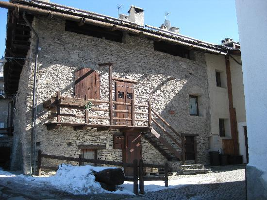 Albergo Martin : typical village house