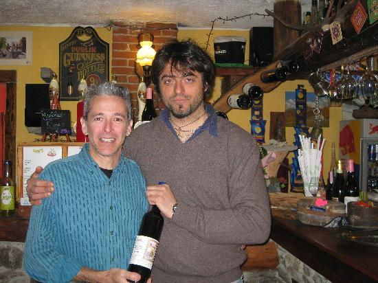 Albergo Martin : Max the proprietor (the tall one)