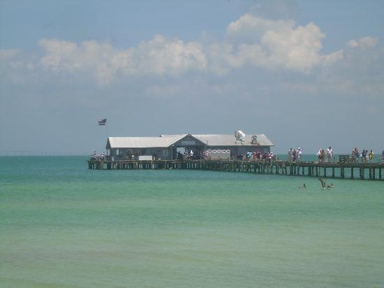 Blue Water Beach Club : Anna Maria Island City Pier