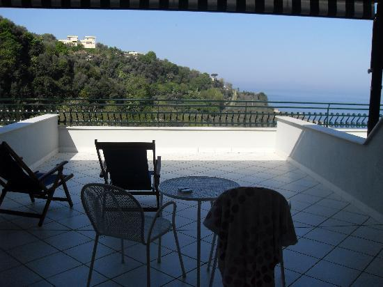 Best Western Hotel La Solara Sorrento: Balcony-gorgeous views