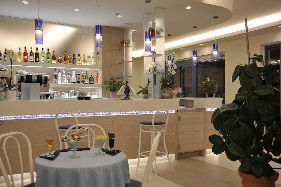 Hotel Alexandra: Bar