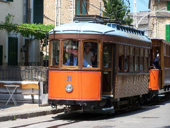 Puerto de Soller: The Tram from Soller to the Port