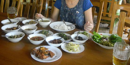 all the burmese specialities that you can have with just 3000 Kyats