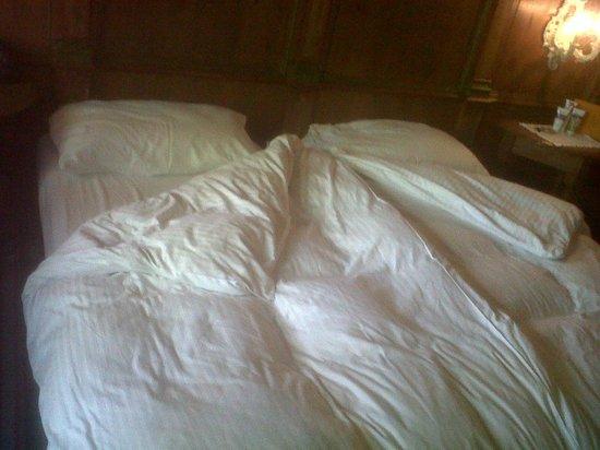 Hotel Schrenkhof: letto rifatto la mattina successiva