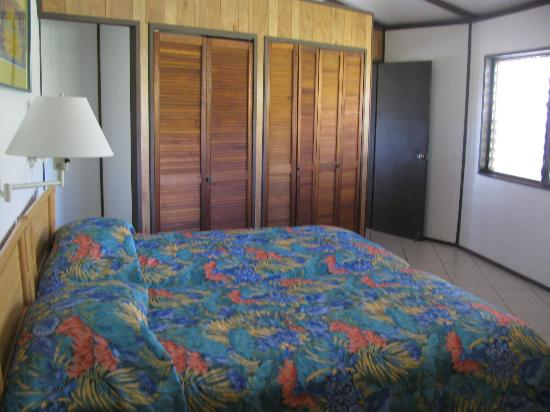 Guavaberry Spring Bay Vacation Homes: 2nd br (Hibiscus-2br)