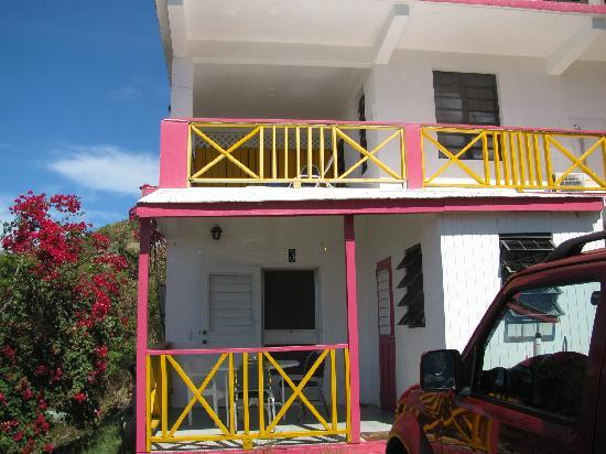 Perfect Pineapple Guest Houses: Our guesthouse with units above (another unit is being built above the picture)