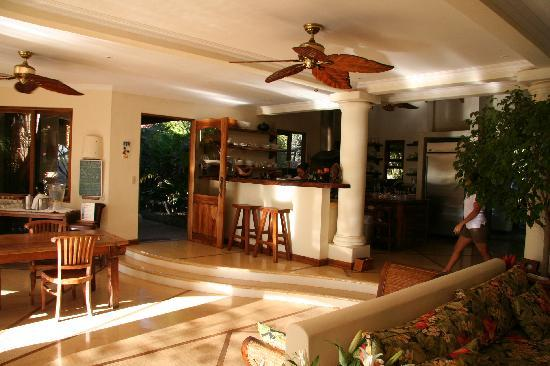 Los Altos de Eros: kitchen area