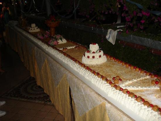 Hotel Christian Rivazzurra: torta di 8 metri di ferragosto