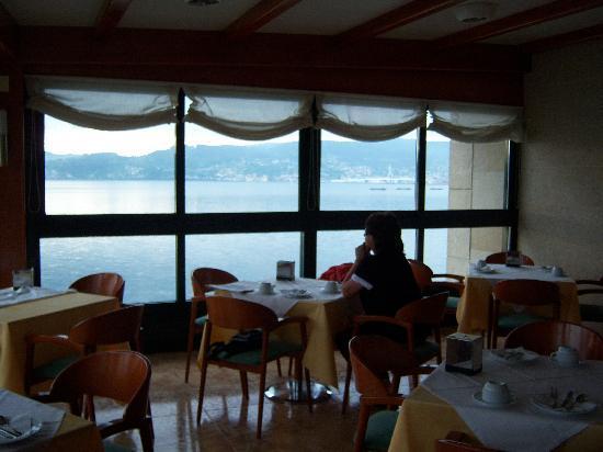 Hotel Stellamaris: La bahía, desde la cafetería del Stella Maris.