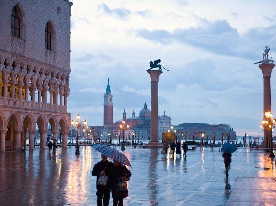 Ai Mori d'Oriente Hotel : Venice view