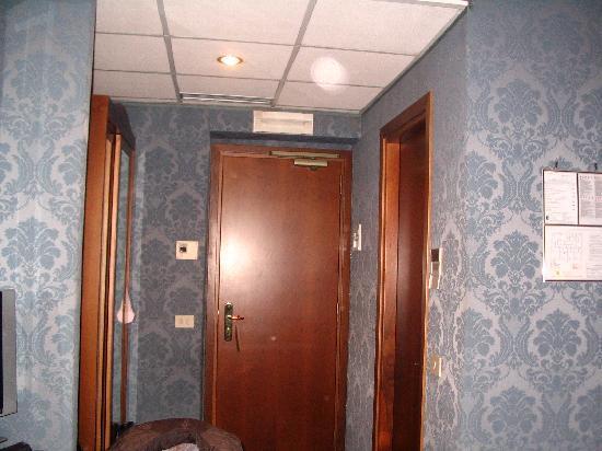 Montecarlo Hotel: habitación