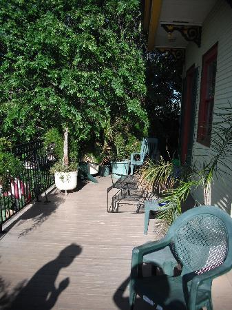 Balcony Guest House: Balcony off Second Floor common area