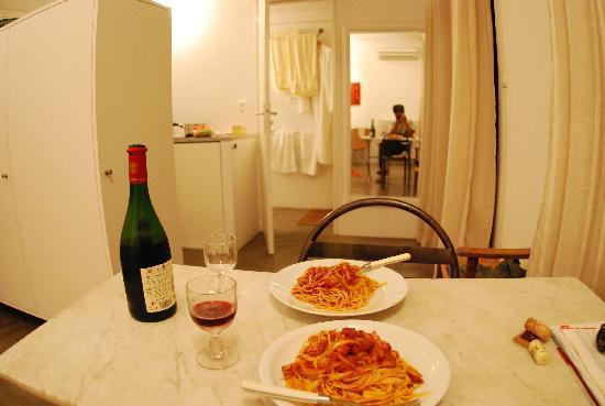 Maison Lumani: Thanks to handy kitchen