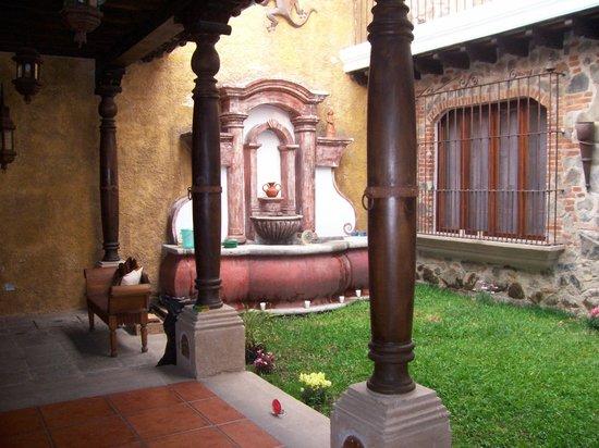 Hotel Tradiciones Antigua: Nuestro Jardin