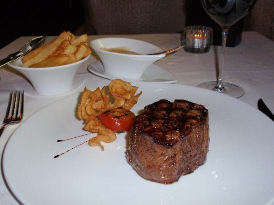 Marco Pierre White Steakhouse & Grill : Angus eye fillet