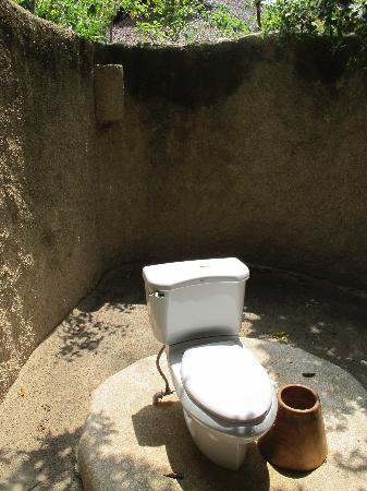 Six Senses Ninh Van Bay: Public Toilet