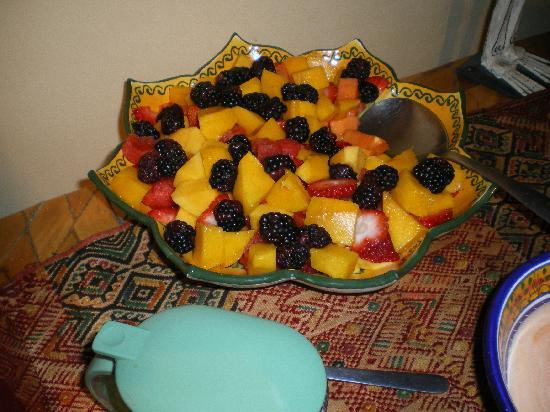 Estrellita's Bed & Breakfast: fresh fruit daily